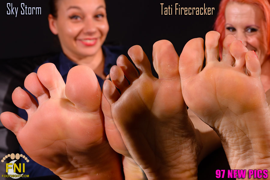Sky Storm and Tati Firecracker's sensational soles and toes up close!